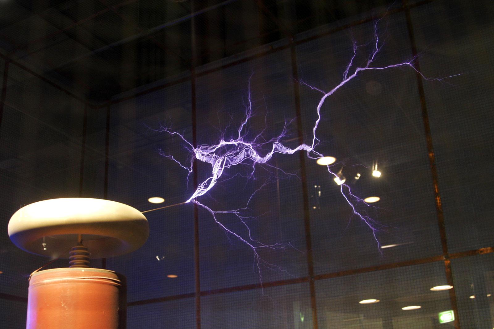 Big Tesla coil of Oklahoma